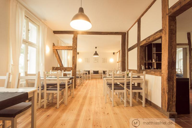 Matthias Friel: Architektur &emdash; Hofcafé Holunder - Hochzeitshof Glaisin - Architekturfotografie